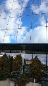 doczyszczanie szyb po kleju o powierzchni około 60 metrów kwadr -nasze prace w Krakowie